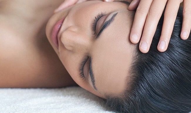 Relaxing Self-Massage With Acupressure Points