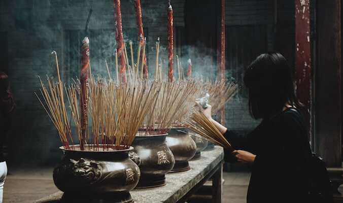 Expats Guide to Alternative Medicine in China and Thailand
