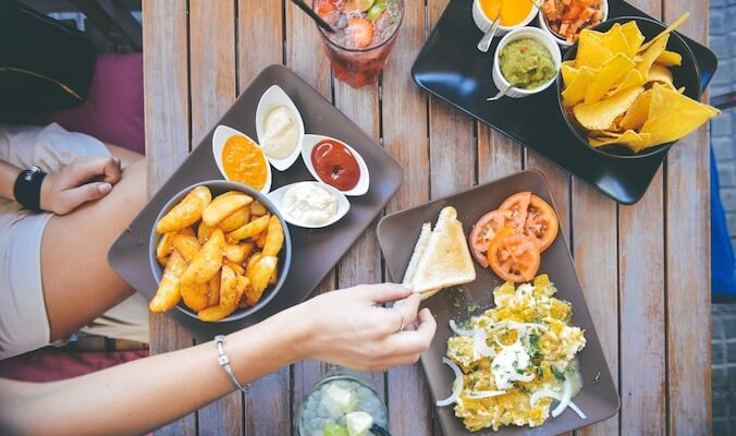 Overcoming Emotional Eating: 5 Mindful Eating Techniques