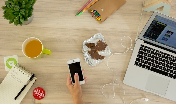How to be Productive While Working From Home With These Daily Habits