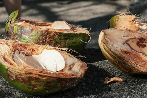 coconut oil to remove acne scars