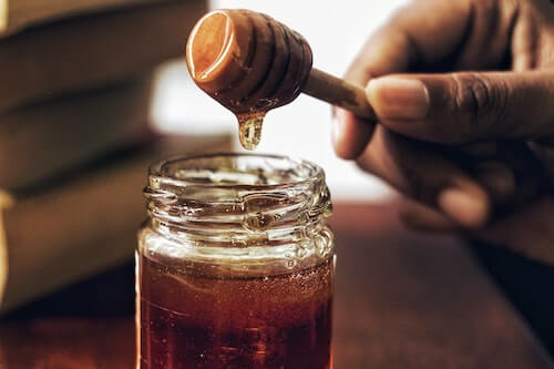 honey to treat acne