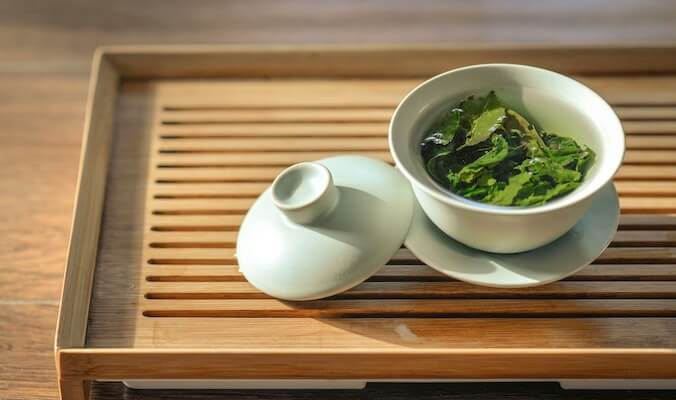 Ditch the Coffee: About the Benefits of Green Tea