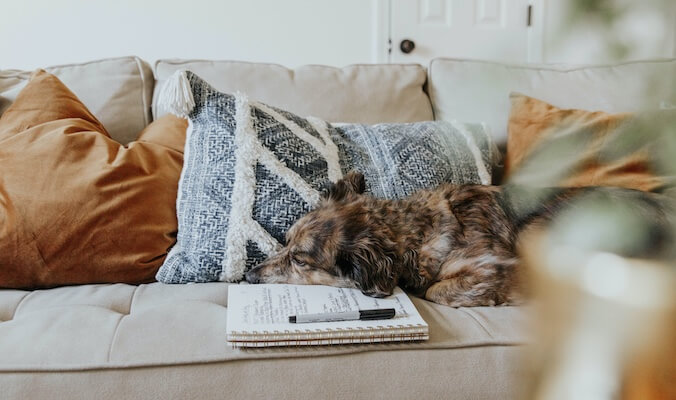 5 Ways to Redesign Your Living Room and Make it More Serene